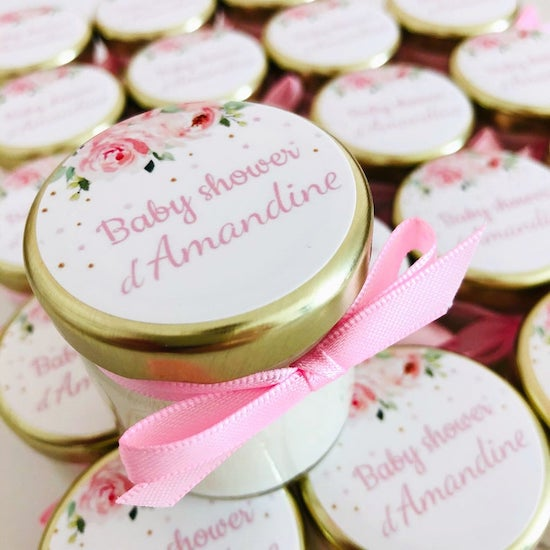 Bougie personnalisable à offrir comme favor baby shower - Créatrice ETSY : Lovelybougie
