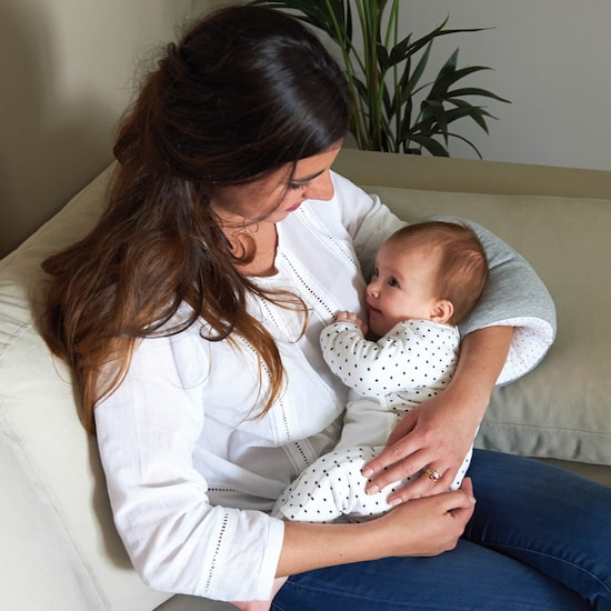 Brassard d'allaitement pour un meilleur confort de bébé