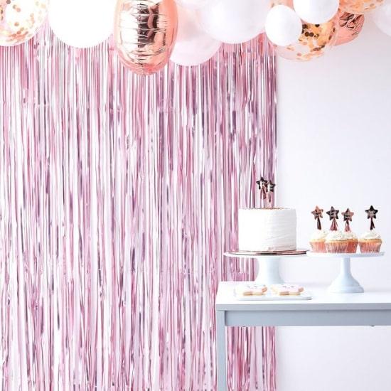 Rideau fil rose parfait pour un photobooth - Créatrice ETSY : supersweetparty