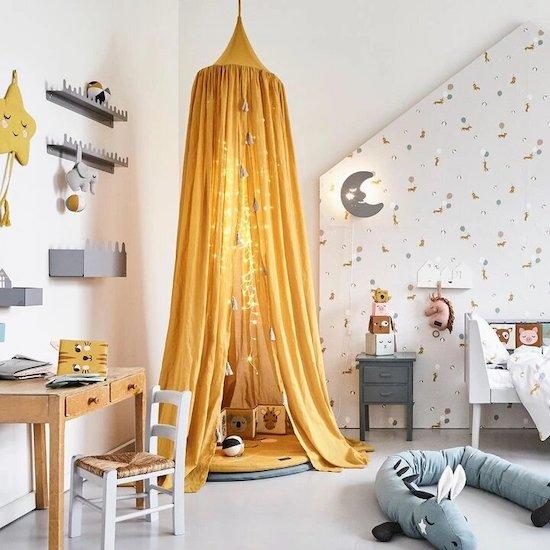 Ciel en tissu pour bébé parfait pour créer une ambiance poétique dans la chambre debébé