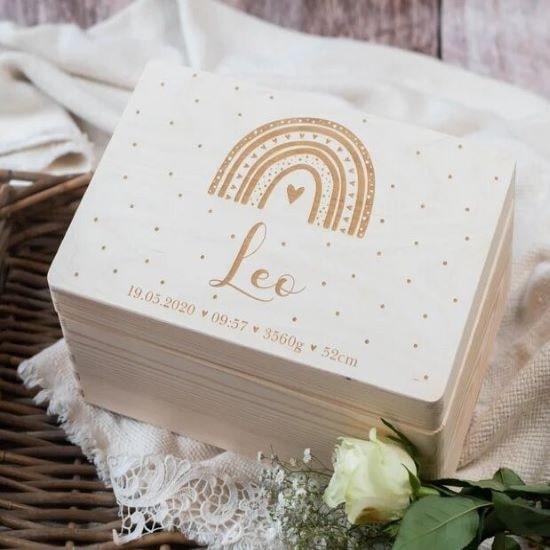 Boîte en bois personnalisée pour mettre les souvenirs de bébé - Créatrice ETSY : ProjectBowShop