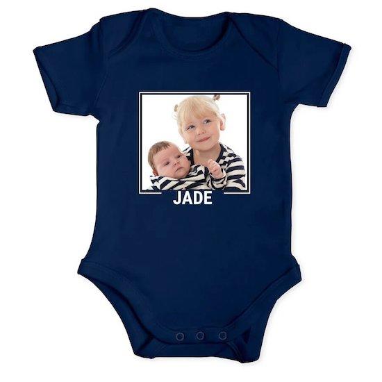 Body bébé à offrir comme cadeau de naissance personnalisé