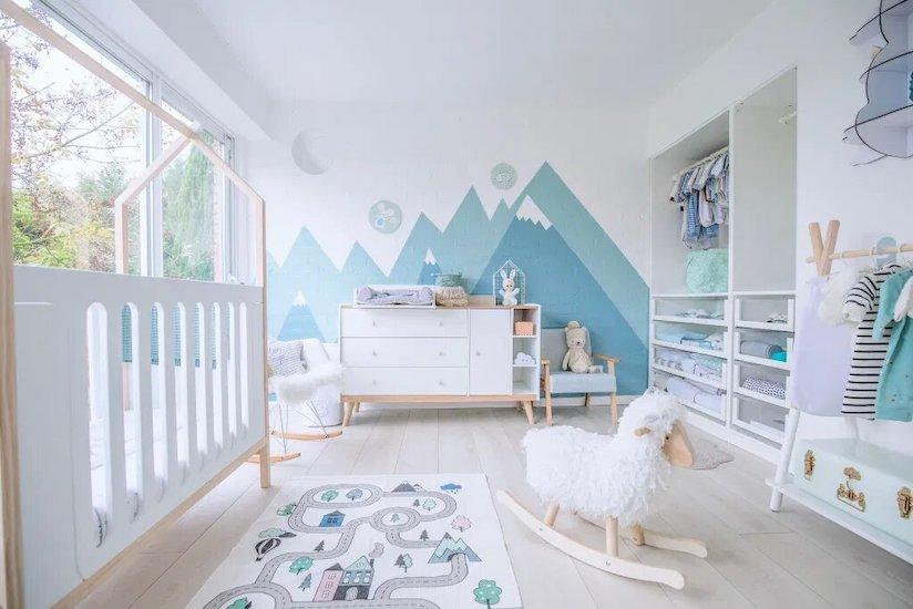 Chambre bébé montagne scandinave dans les tons mint - Chambre Owen : Babychoufamily
