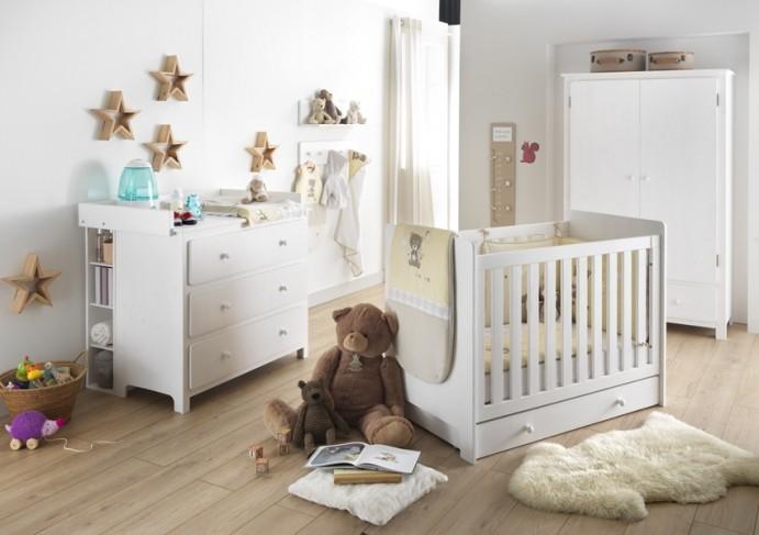 Idée déco chambre bébé naturelle sur le thème de l'ourson