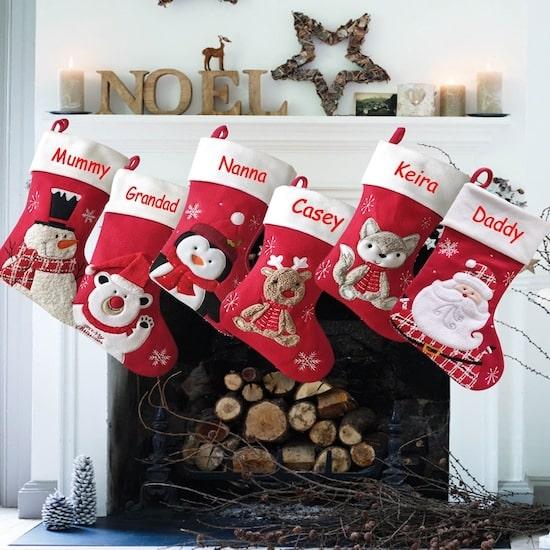 Chaussettes de Noël personnalisés - Créatrice ETSY : AtNineThirtyTwo