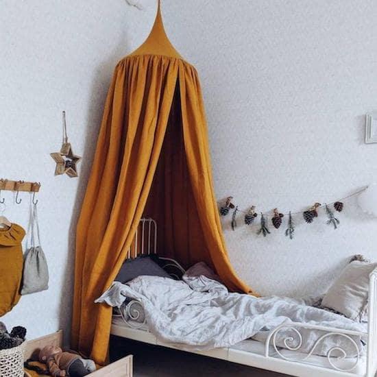 Ciel de lit bébé ocre - Créatrice ETSY : OMOLOKO
