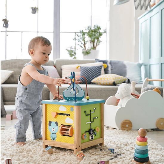 Grand cube d'activités en bois FSC pour amuser bébé