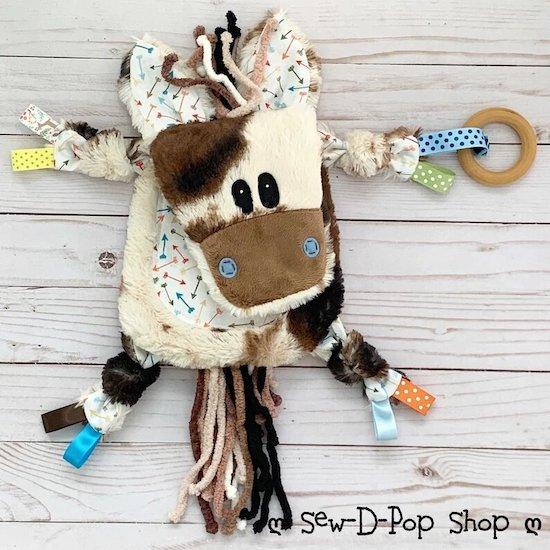 Jouet sensoriel bébé cheval - Créatrice ETSY : SewDPopShop
