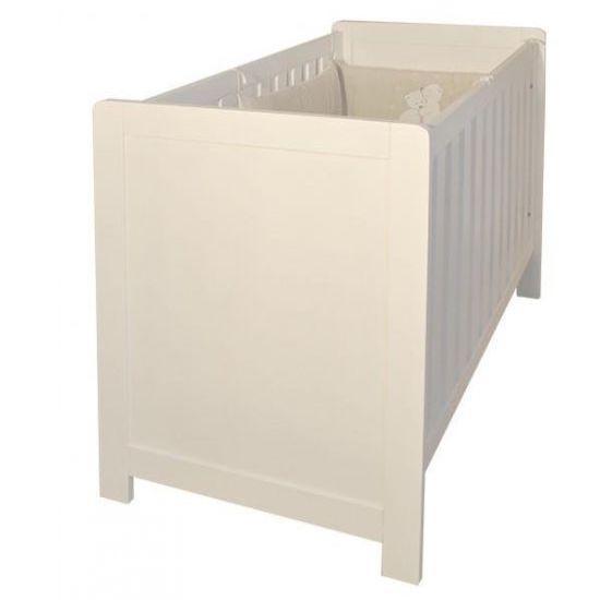Lit en bois brut pour tous les parent qui veulent une chambre bébé naturelle et saine pour leur nourrisson
