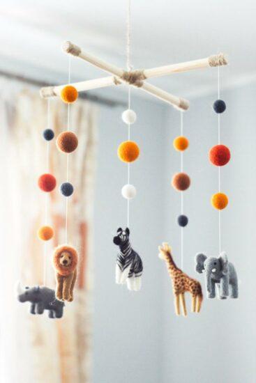 Mobile bébé sur le thème de la jungle - Créatrice ETSY : WoolenTenderness