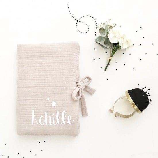Protège carnet de santé en coton lavé personnalisable - Créatrice ETSY : cassisetpetithoux