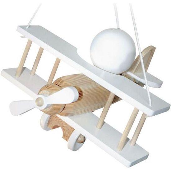 Cette suspension luminaire en forme d'avion trouvera parfaitement sa place dans une chambre bébé