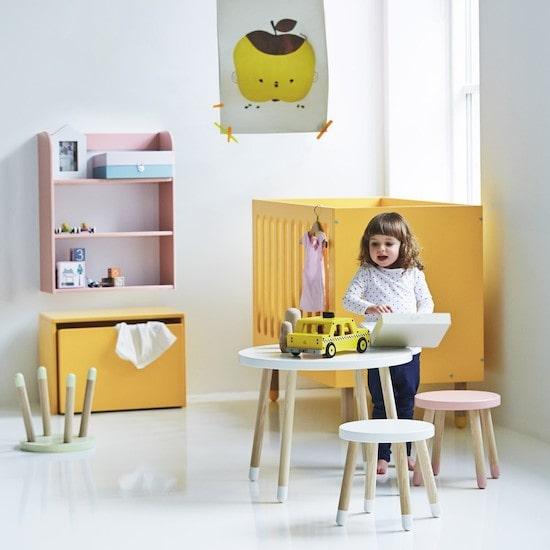 Table scandinave pour enfant