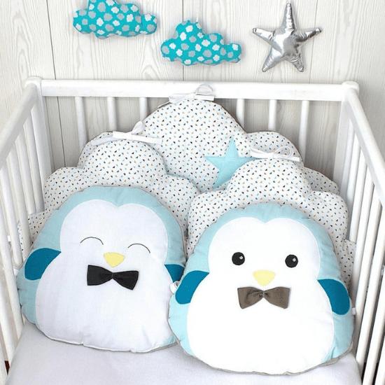Tour de lit bébé avec petits pingouins- Créatrice ETSY : PetitLionForBaby